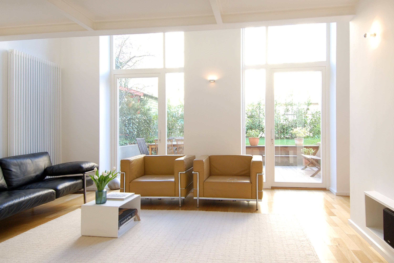 Charmantes 21er Jahre Stadthaus mit moderner Innenarchitektur und ...